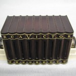 1940's Bakelite RCA Victor Book Radio Black / white