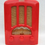 1937 Red Emerson AU-190 Cathedral Catalin / Bakelite Tube Radio