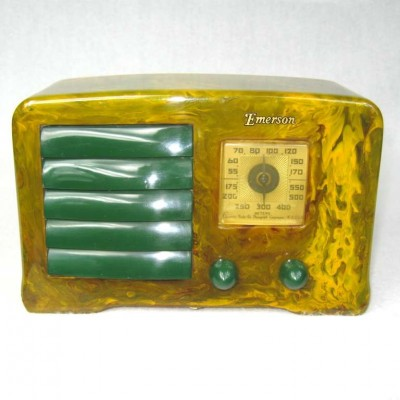 1938 Emerson AX-235 Catalin Bakelite Radio Green on Green