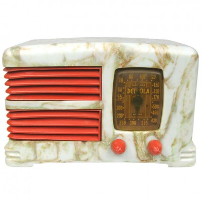 1938 Detrola Art Deco Bakelite Plaskon Radio – Beetle with Red trim